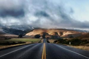 Traffic litigation can be a complex process, especially when involving California roads. Image courtesy of Pixabay.com